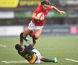 Wales Jasmine Joyce and South Africa Vuyolwethu Maqholo<br /> Wales Women v South Africa Women<br /> Autumn International<br /> <br /> Photographer Mike Jones / Replay Images<br /> Cardiff Arms Park<br /> 10th November 2018<br /> <br /> World Copyright © 2018 Replay Images. All rights reserved. info@replayimages.co.uk - http://replayimages.co.uk