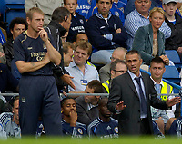 Photo: Daniel Hambury.<br />Chelsea v Manchester City. The Barclays Premiership. 20/08/2006.<br />Chelsea's Jose Mourinho (R) and City's Stuart Pearce.