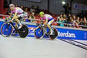 Pim Ligthart en Jasper de Buyst tijdens de koppeltijdrit. In Amsterdam vindt de Zesdaagse van Amsterdam plaats, een groots wielerevenement in het velodrome.<br /> <br /> Pim Ligthart and team member Jasper de Buyst at the Six Days of Amsterdam, a major cycling event in the velodrome.