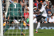 Fulham Forward Aboubakar Kamara  (R) takes a shot at goal. EFL Skybet football league championship match, Fulham  v Norwich city at Craven Cottage in London on Saturday 5th August 2017.<br /> pic by Steffan Bowen, Andrew Orchard sports photography.