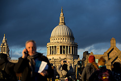 © Licensed to London News Pictures. 19/01/2018. London, UK. St Pauls Cathederal is seen as the sun sets after a cold but clear day in London. Large parts of the country have experienced high winds and snowy weather following a storm passing, which - against modern trend - has not been given a name. Photo credit : Tom Nicholson/LNP