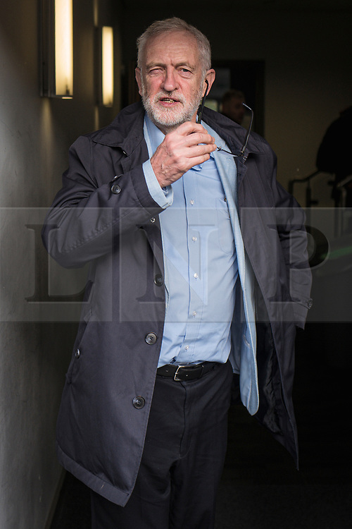 © Licensed to London News Pictures. 02/11/2019. Swindon, UK. Labour Party Leader Jeremy Corbyn arrives at Commonweal Sixth Form College in Swindon for a campaign rally ahead of the general election on 12 December. Photo credit: Rob Pinney/LNP