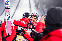 01.03.2019, Seefeld, AUT, FIS Weltmeisterschaften Ski Nordisch, Seefeld 2019, Skisprung, Herren, Flower Zeremonie, im Bild Goldmedaillengewinner und Weltmeister Dawid Kubacki (POL), Cheftrainer Stefan Horngacher (POL) // Gold Medallist and World Champion Dawid Kubacki (POL) Austrian Headcoach Stefan Horngacher of Poland during the flowers ceremony for the men's Skijumping of FIS Nordic Ski World Championships 2019. Seefeld, Austria on 2019/03/01. EXPA Pictures © 2019, PhotoCredit: EXPA/ JFK