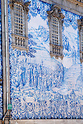 azulejos on carmelitas church with porto portugal