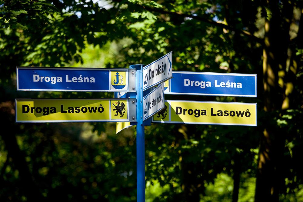 Hel, 2008-06-20. Dwujęzyczne tablice informacyjne na Helu