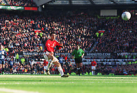 Ryan Giggs misses an easy goal opportunity. Manchester United v Arsenal. FA Cup 5th rd. 15/2/2003. Credit : Colorsport/Andrew Cowie.