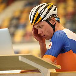 04-04-2017: Wielrennen: Persmoment KNWU: Apeldoorn<br /> APELDOORN (NED) baanwielrennen  <br /> Wim Stroetinga