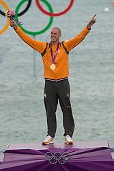 07-08-2012 WATERSPORT: OLYMPISCHE SPELEN 2012  RS-X MEDALRACE: WEYMOUTH<br /> Dorian van Rijsselberghe wint de gouden medaille<br /> ***NETHERLANDS ONLY**<br /> ©2012-FotoHoogendoorn.nl