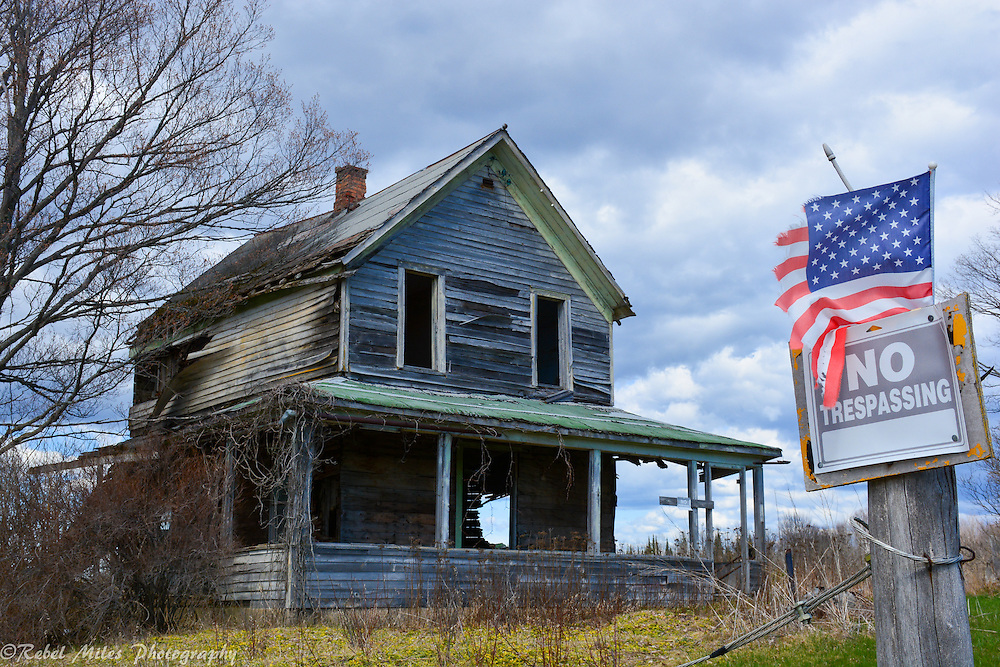 Abandoned Farmhouse Near Seney Michigan In The Upper Peninsula