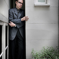 Nederland, Amsterdam , 25 augustus 2010..Jeffery Deaver (Glen Ellyn (Illinois), 6 mei 1950) is een Amerikaanse schrijver..Deaver was oorspronkelijk journalist maar studeerde later rechten en werd advocaat. Hij begon destijds ook met het schrijven van boeken. Jeffery Deaver, bestselling author of thrillers and mysteries, and creator of the Lincoln Rhyme series.