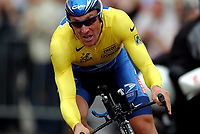Sykkel<br /> Tour de France 2003<br /> Prolog Paris 05.07.2003<br /> Lance Armstrong - USA US Postal Service<br /> Foto: Digitalsport