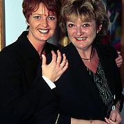 Expositie opening Patty Harpenau, samen met haar zus Lilian
