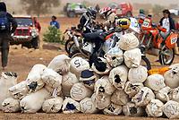 Motor<br /> Paris Dakar 2004<br /> Foto: Digitalsport<br /> Norway Only<br /> <br /> TIDJIKJA - NEMA 20040109