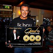 NLD/Purmerend/20100608 - Tros Muziekfeest op het Plein in Purmerend, Gerard Joling met gouden award voor jubileum cd 25 jarig jubileum
