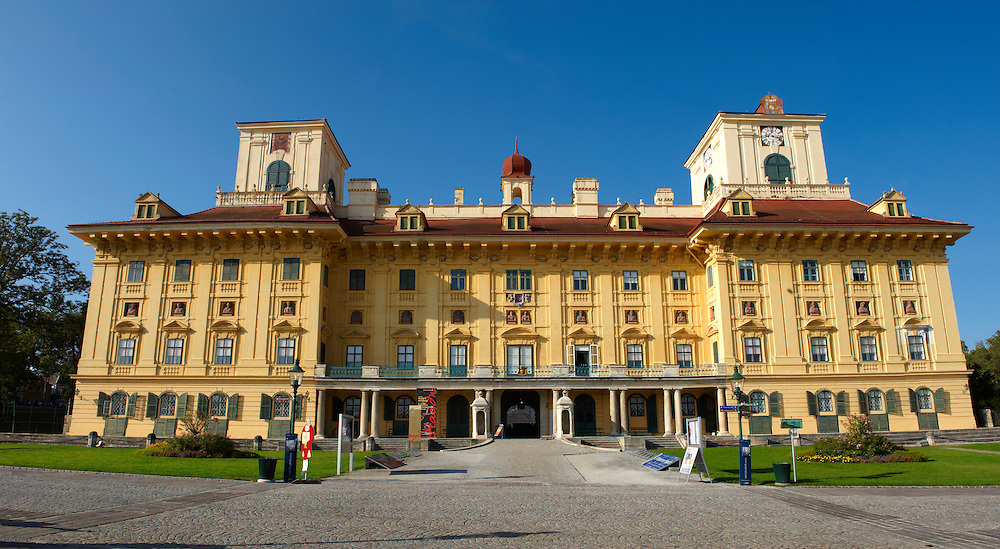 Esterhazy Chateaux ( Esterházy Kastélz ) , Eisenstadt (Kismarton), Austria Facade of the Esterhazy Chateaux ( Esterhazy Kastely ) , Eisenstadt (Kismarton), Austria Esterhazy Chateaux ( Esterházy Kastélz ) , Eisenstadt (Kismarton), Austria . Esterházy Palace in Eisenstadt is one of the most beautiful baroque palaces in Austria and presents a fascinating view of the resplendent life once lived at the court of the Princes Esterházy Visit our AUSTRIA PHOTO COLLECTIONS for more photos to download or buy as wall art prints https://funkystock.photoshelter.com/gallery-collection/Pictures-Images-of-Austria-Photos-of-Austrian-Historic-Landmark-Sites/C0000VRQ9JIAzOxc