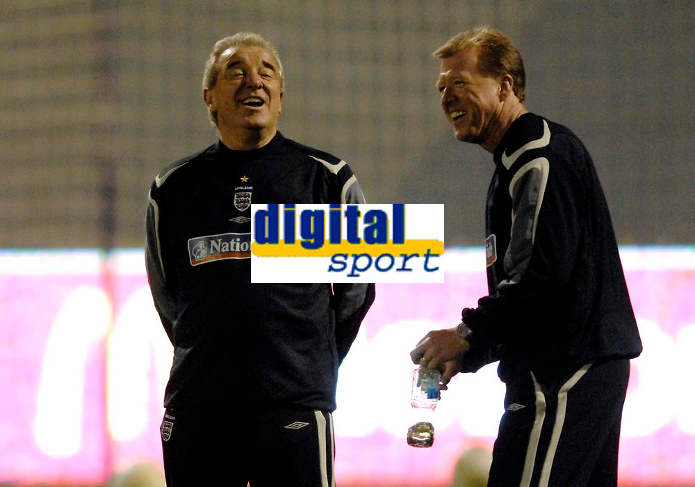 Photo: Richard Lane<br />England Training Session. 10/10/2006. <br />England Head Coach, Steve McClaren (rt) shares a joke with his assistant, Terry Venables.