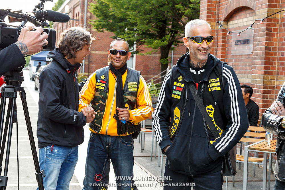 NLD/Amsterdam/20150618 - Voorvertoning Satudarah – One Blood documentaire, oprichter Michel Boer (R)