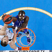 Anadolu Efes's Stephane Lasme (R) during their Turkish Airlines Euroleague Basketball Top 16 Round 11 match Anadolu Efes between Nizhny Novgorod at Abdi ipekci arena in Istanbul, Turkey, Thursday March 19, 2015. Photo by Aykut AKICI/TURKPIX
