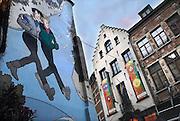 Belgie, Brussel, 28-7-2011Horecagelegenheid waar veel homofielen elkaar treffen.Op de aangrenzende muur is een striptekening aangebracht met twee gearmde jongens, mannen.
