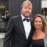 NLD/Hilversum/20180903 -   Voetbalgala 2018, Rob Witschge en partner Barbara van den Boogaard