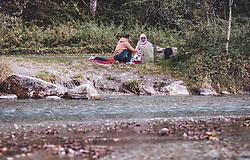 THEMENBILD - arabische Touristen bei einem Picknick am Klammsee, aufgenommen am 22. September 2019 in Kaprun, Oesterreich // Arab tourists at a picnic at the Klammsee in Kaprun, Austria on 2019/09/22. EXPA Pictures © 2019, PhotoCredit: EXPA/ JFK