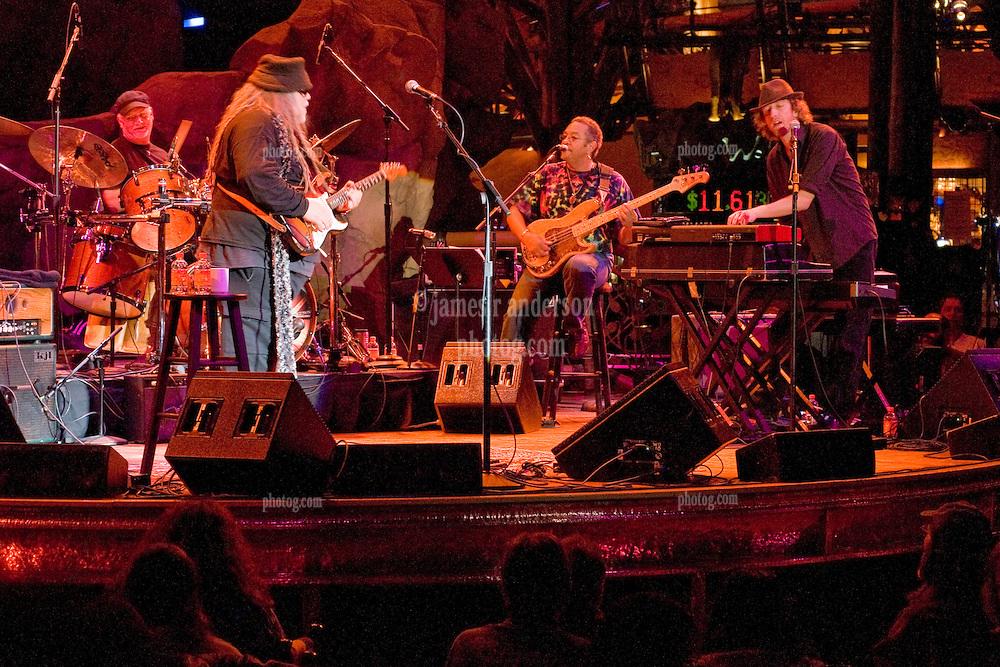 Bill Kreutzmann, Papa Mali, George Porter Jr. & Matt Hubard. 7 Walkers in Concert in The Wolfs Den at Mohegan Sun Casino on December 9, 2010