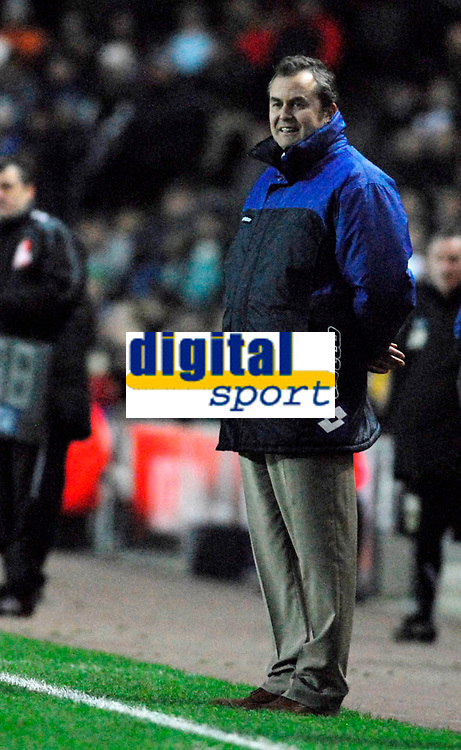 Photo: Leigh Quinnell/Sportsbeat Images.<br /> Milton Keynes Dons v Chesterfield. Coca Cola League 2. 24/11/2007. Chesterfield manager Lee Richardson happy with the game.