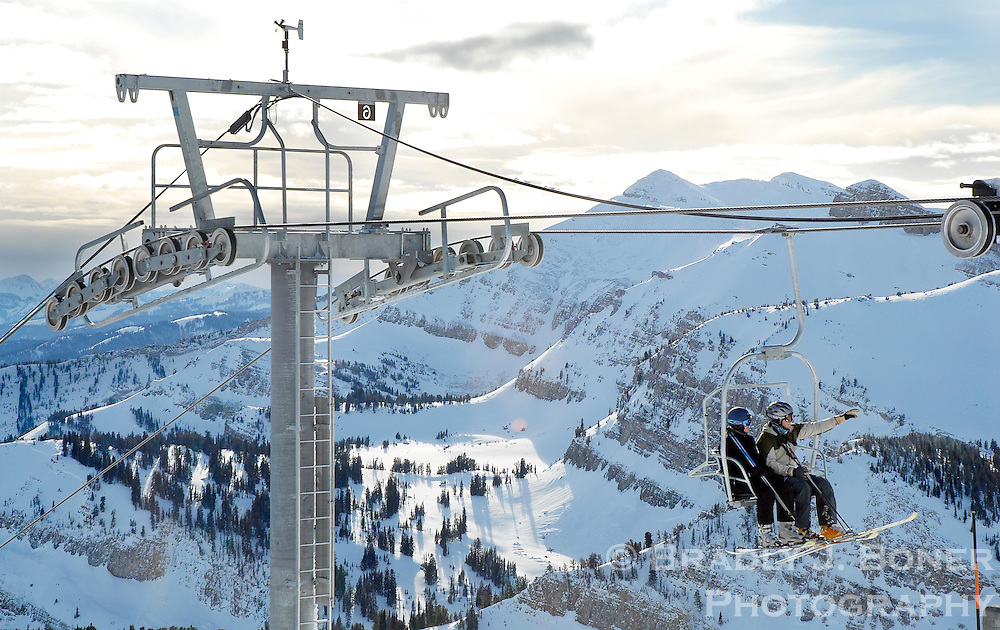 NEWS&GUIDE PHOTO / BRADLY J. BONER.The East Ridge Chair, Jackson Hole Mountain Resort's temporary solution to its decommissioned aerial tram, was operating for the first time Sunday as skiers waited in single-digit temperatures to ride the lift and make laps in Rendezvous Bowl.