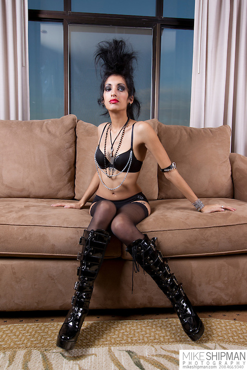 Giovanna Hernandez photo shoot at Harrison Hotel, Presidential Suite, Boudoir test. MR