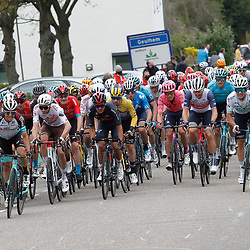18-04-2021: Wielrennen: Amstel Gold Race men: Berg en Terblijt<br />Tom Pidcock voert forcing op Geulhemmerberg