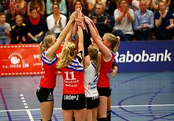 20150425 NED: Eredivisie VC Sneek - Eurosped, Sneek<br />Speelsters van VC Sneek vieren het zoveelste blockpunt<br />©2015-FotoHoogendoorn.nl / Pim Waslander