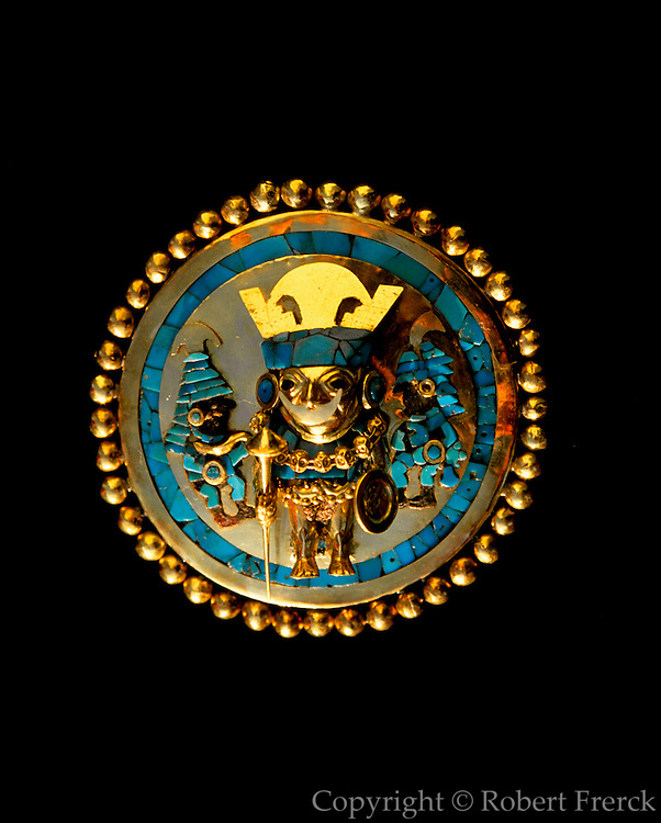 PERU, PREHISPANIC, GOLD Mochica; Lord of Sipan ear plug