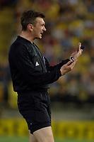 Photo: Francesc Valcarcel.<br />Villarreal v Arsenal. UEFA Champions League. Semi Final, 2nd Leg. 25/04/2006.<br />Referee Valentin Ivanov.