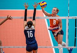 18-08-2016 BRA: Olympic Games day 13, Rio de Janeiro<br /> De Nederlandse volleybalsters hebben niet kunnen stunten met een plaats in de finale van het olympisch toernooi. China, dat in de groepsfase nog met 3-2 geklopt werd, won na een thriller van ruim twee uur: 3-1 (27-25, 23-25, 29-27, 25-23). / Judith Pietersen #8