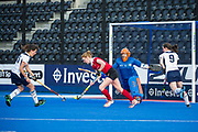 Holcombe's Nicola White threatens the East Grinstead goal. East Grinstead v Holcombe - Semi-Final - Investec Women's Hockey League Finals, Lee Valley Hockey & Tennis Centre, London, UK on 22 April 2017. Photo: Simon Parker