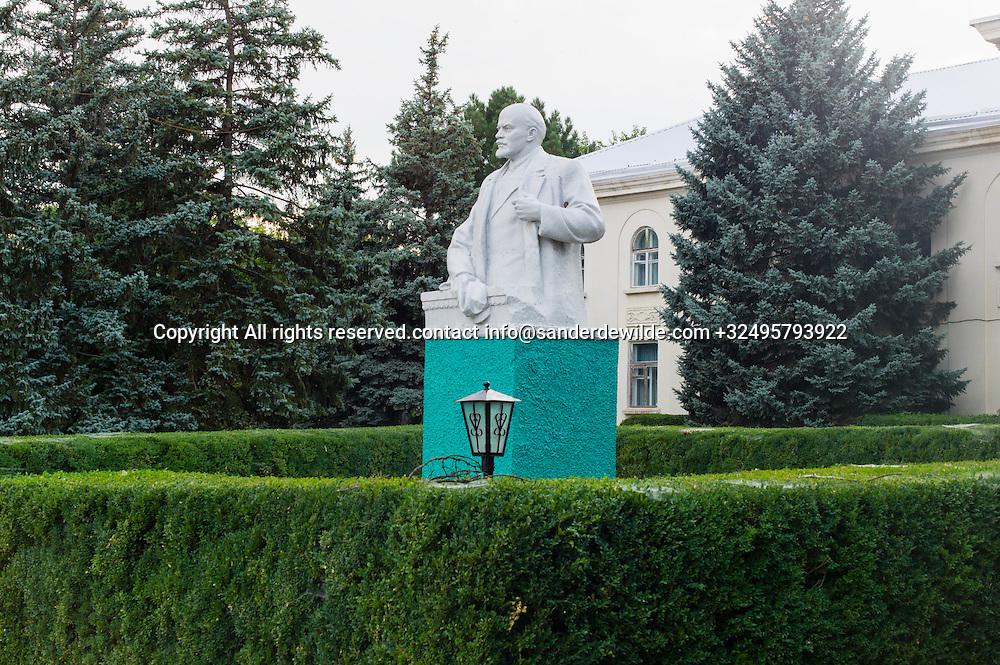 20150829  Moldova, Transnistria,Pridnestrovian Moldavian Republic (PMR) Dubushari. The Lenin monument is just being painted in a fresh new green.