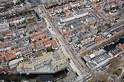 Nederland, Amsterdam, Vijzelgracht, 16-04-2008; werkzaamheden aan het toekomstig metrostation, onder in beeld de Lijnbaansgracht, boven in beeld de Prinsengracht; op de hoek met de Prinsengracht Maison Descartes en Frans consulaat (met siertuin); huizenblokkken, daken..luchtfoto (toeslag); aerial photo (additional fee required); .foto Siebe Swart / photo Siebe Swart