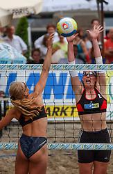 30-06-2000 NED: Beach Masters Tournooi, Apeldoorn<br /> Mered de Vries, Pauline Maurice
