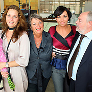 NLD/Amsterdam/20070821 - Presentatie kledinglijn Dyanne Beekman, ouders en zus Dyanne