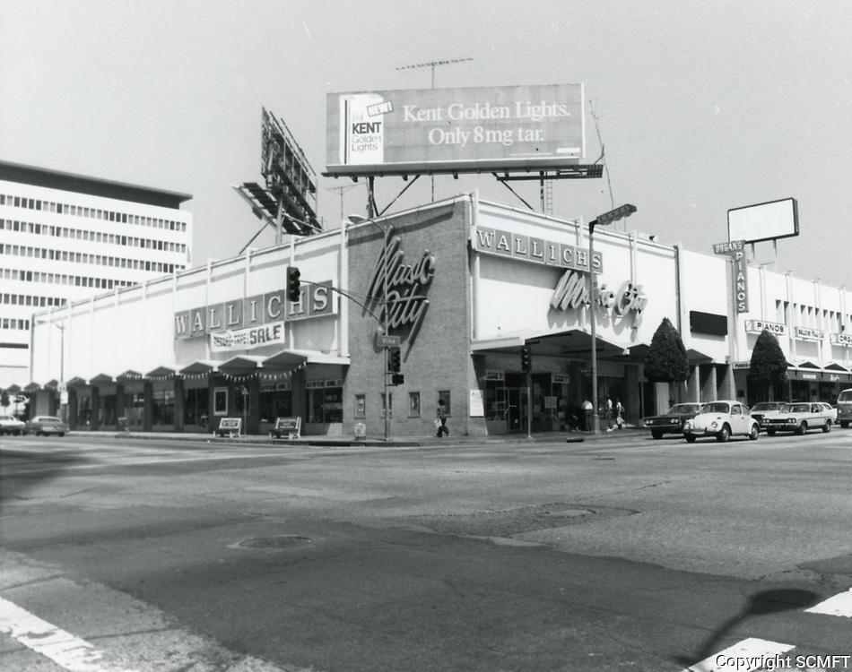 1976 Wallich's Music City at Sunset Blvd. & Vine St.
