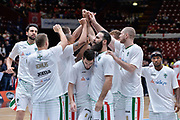 DESCRIZIONE : Beko Final Eight Coppa Italia 2016 Serie A Final8 Finale Olimpia EA7 Emporio Armani Milano - Sidigas Scandone Avellino<br /> GIOCATORE : Team Sidigas Scandone Avellino<br /> CATEGORIA : Fair Play Before Pregame<br /> SQUADRA : Sidigas Scandone Avellino<br /> EVENTO : Beko Final Eight Coppa Italia 2016<br /> GARA : Finale Olimpia EA7 Emporio Armani Milano - Sidigas Scandone Avellino<br /> DATA : 21/02/2016<br /> SPORT : Pallacanestro <br /> AUTORE : Agenzia Ciamillo-Castoria/L.Canu
