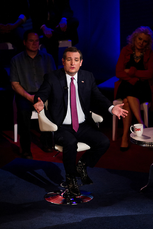 Republican U.S. Presidential candidate Senator Ted Cruz (R-TX) speaks at the CNN Town Hall at Riverside Theater in Milwaukee, Wisconsin March 29, 2016. REUTERS/Ben Brewer