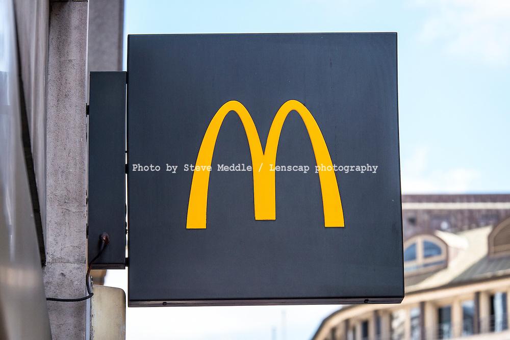 McDonald's Restaurant Sign - Aug 2013.