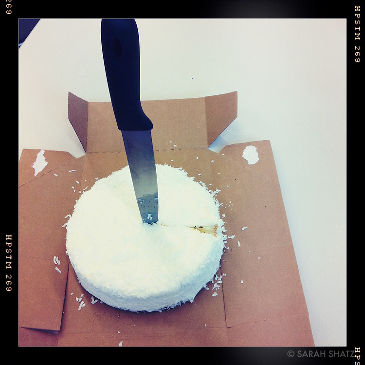 Cheesecake with knife