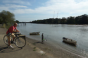 London, England. 14 September 2016.<br /> Londoners take their ease in the sunshine by the River Thames at Strand-on-the-Green. <br /> ©Peter Hogan/Exclusivepix Media