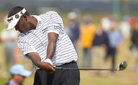 Golf<br /> Foto: SBI/Digitalsport<br /> NORWAY ONLY<br /> <br /> 2005 Open Championship, St. Andrews.<br /> Friday 15/07/2005<br /> <br /> Vijay Singhh drives at 17th today