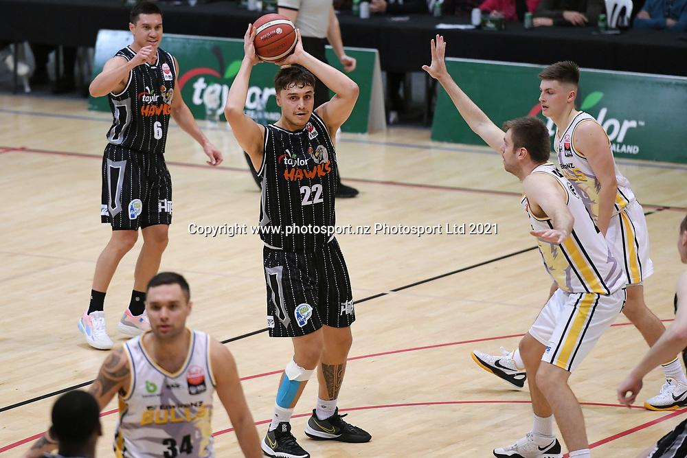 Taylor Hawks Hyrum Harris looks to pass in the Sal's NBL Basketball match, Taylor Hawks v EnviroNZ Bulls, Pettigrew Green Arena, Napier, Saturday, June 26, 2021. Copyright photo: Kerry Marshall / www.photosport.nz