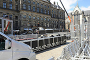 In Amsterdam worden de laatste voorbereidingen getroffen voor de troonswisseling op 30 april. <br /> <br /> The final preparations for the crowning on April 30, in Amsterdam.<br /> <br /> Op de foto / On the photo:  Koninklijk Paleis op de dam / Royal Palace on the dam