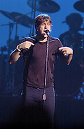 Rob Thomas of Matchbox Twenty belts out a tune during a concert at the JACC on Monday night. Santiago Flores/ photo mac 1/ metro 100200