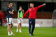 06/10/2020: Dundee FC train at Kilmac Stadium after their Betfred Cup match against Forfar Athletic was postponed due to a positive COVID test result for one of the Forfar players: Dundee manager James McPake talks to Jordan McGhee <br /> <br /> <br />  :©David Young: davidyoungphoto@gmail.com: www.davidyoungphoto.co.uk